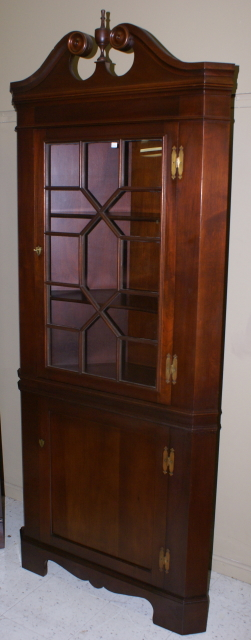 20 Corner Cabinets To Make A Clutter Free Bathroom Space: Solid Mahogany Craftique Corner Cabinet