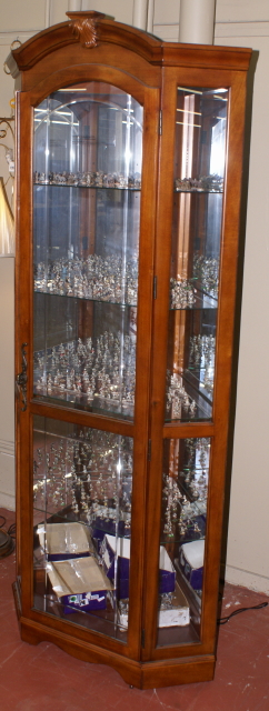 lighted etched glass front corner curio cabinet display cabinet. Black Bedroom Furniture Sets. Home Design Ideas