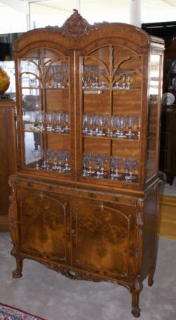 Signed Batesville walnut dining room suite