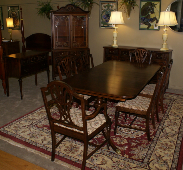 Antique dining room furniture mahogany dining room furniture for Pictures of antique dining room sets