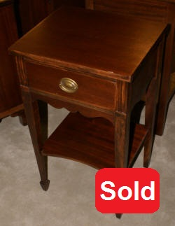 one drawer mahogany hepplewhite night stand