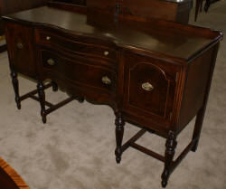 Walnut antique 1930s Sheraton sideboard