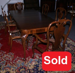 1930s walnut queen anne shell carved dining room table and 6 chairs