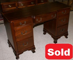 solid mahogany chippendale vanity
